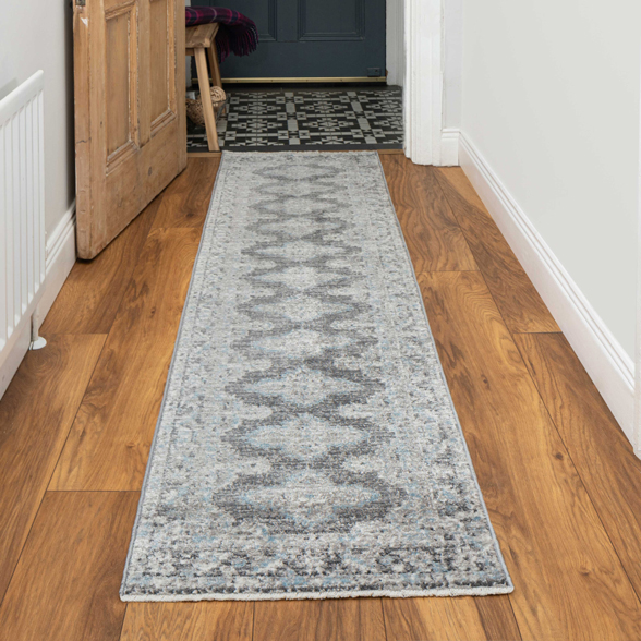 Soft Light Blue Grey Traditional Distressed Rug - Mystic